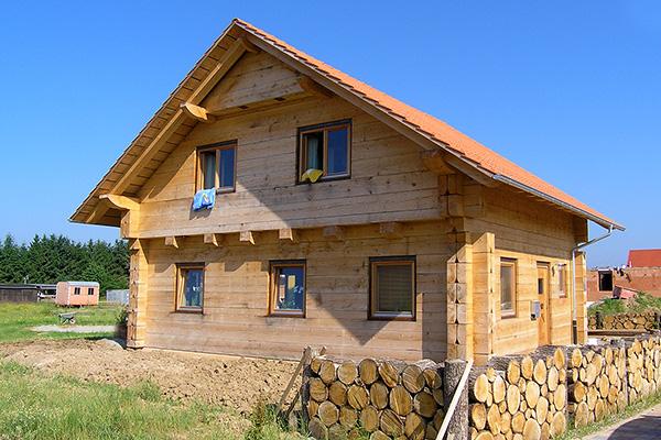 Holzhaus und blockhaus gesundes bauen mit holz lehm und for Klassisches haus
